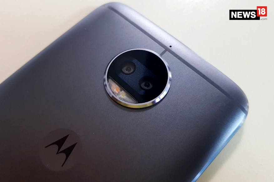 Moto G5s Plus First Impressions: The First Dual-lens Camera Moto Phone