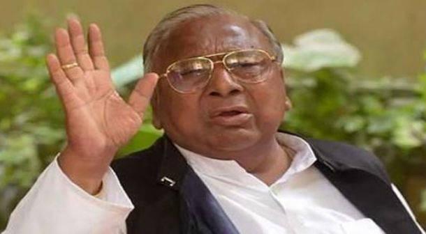 గాంధీ కుటుంబం చెప్పిన మాట మీద నిలబడుతుంది : వీహెచ్