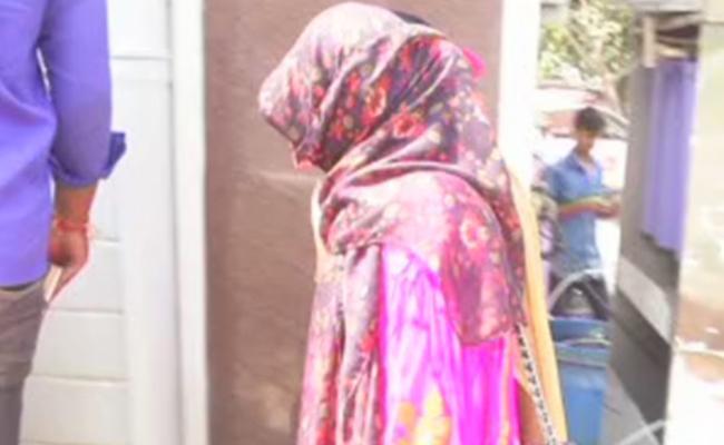 ఏసీపీ కార్యాలయానికి శిఖా చౌదరి