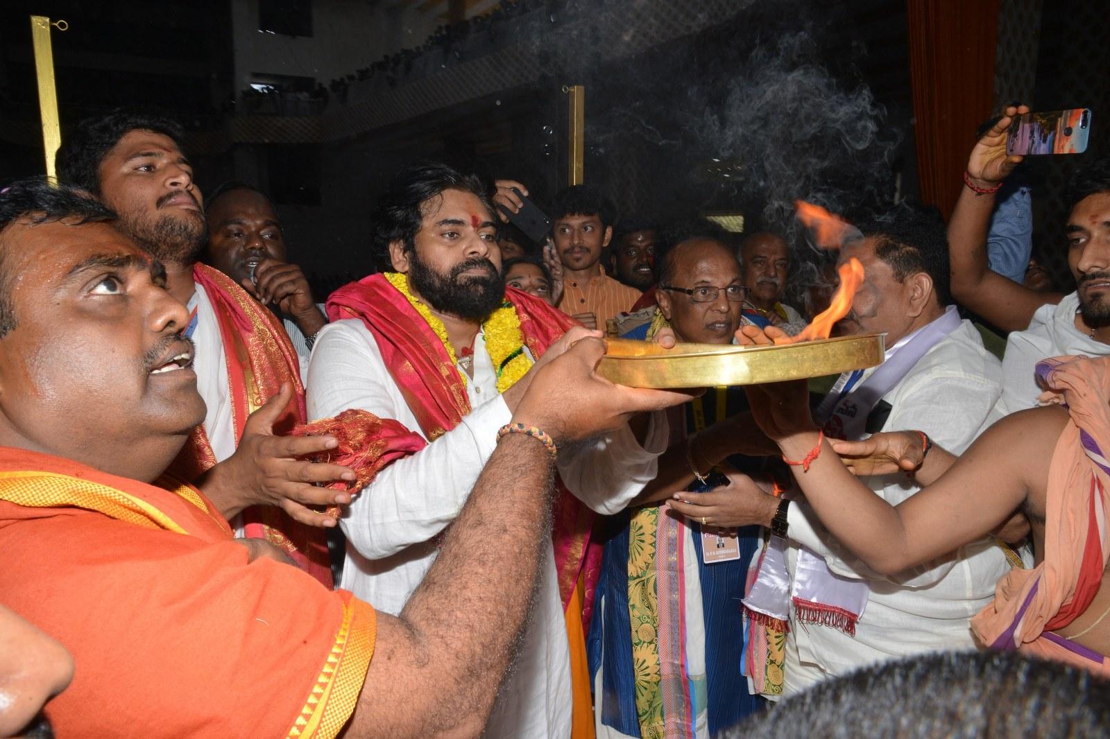 Janasena Chief worships the 90 feet tall Vasavi Matha idol