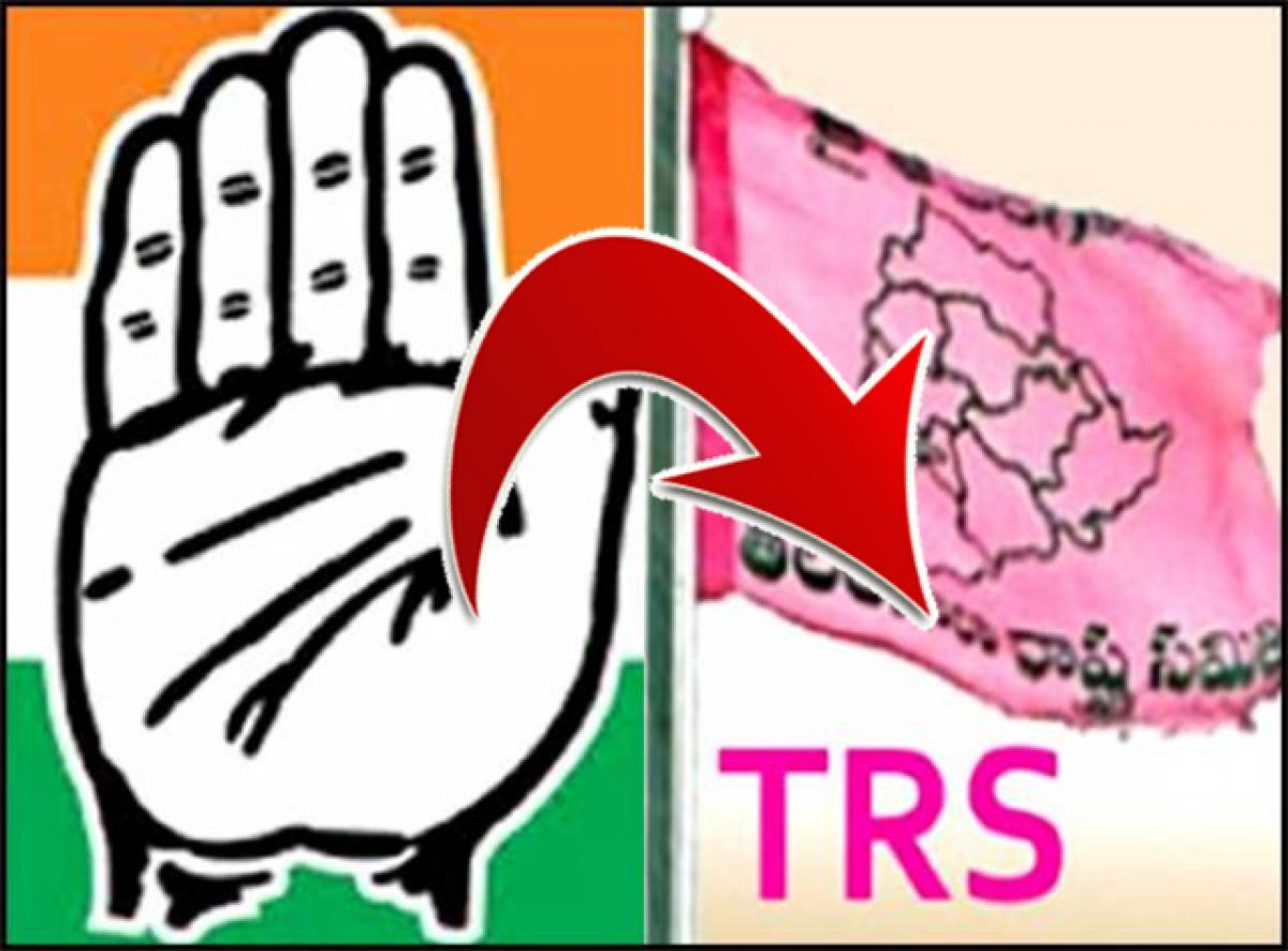 తెలంగాణ కాంగ్రెస్కు మరో షాక్...టీఆర్ఎస్లో చేరనున్నట్లు...
