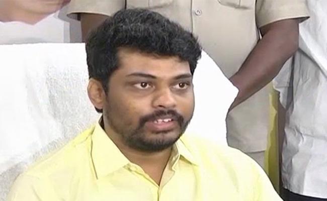 రాజీనామా చేయనున్న మంత్రి కిడారి శ్రవణ్!