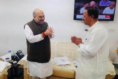 బీజేపీ జాతీయాధ్యక్షుడు అమిత్షాతో రాజ్యసభ సభ్యుడు డీఎస్ భేటి