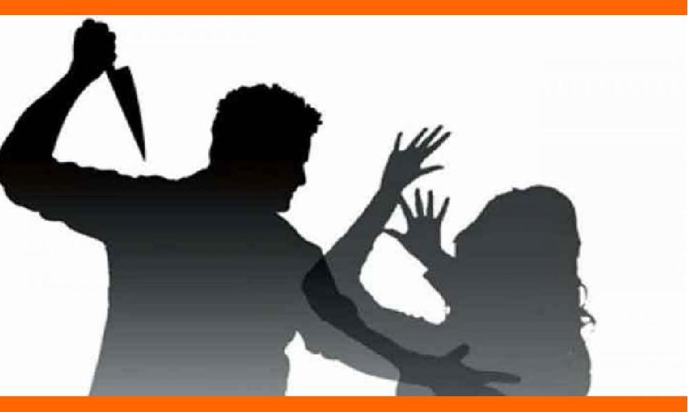 విజయవాడలో దారుణం.. భార్యను చంపి ఆమె తలతో పోలీస్ స్టేషన్ కు..