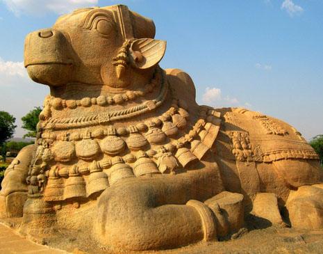 దేశంలోనే అతిపెద్ద నంది శిల్పం.. లేపాక్షి
